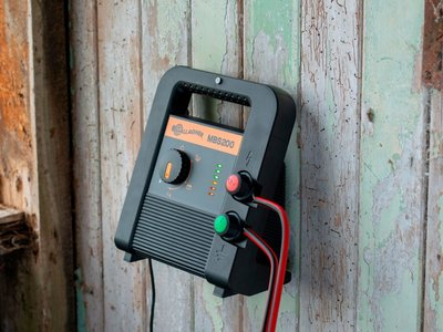Gallagher MBS200 fence energiser